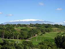Big Island, Kohala Coast, Mauna Kea golf course with snowcovered mountain